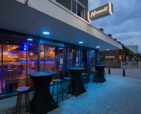 Café allee buiten 1