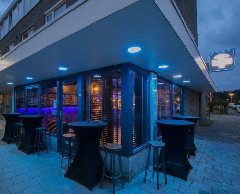 Café allee buiten 2